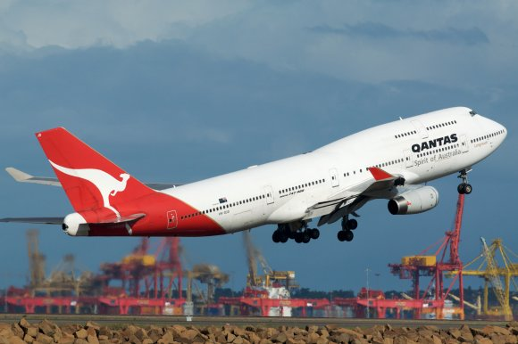 qantas-airways-booking-number.jpg